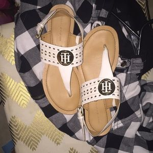 tommy sandals w box